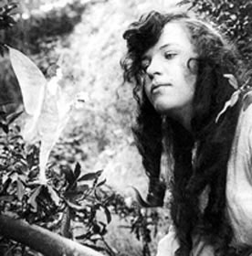 Fairies Photographed? Late proved to be a hoax! - Fairies or not? They are not.