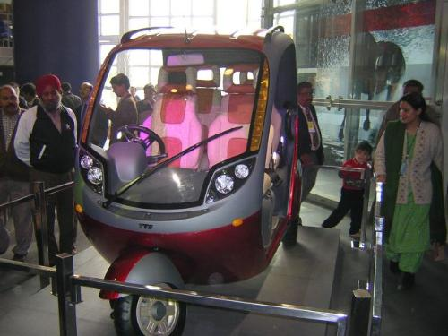 new auto rickshaw - this is a new auto rickshaw to be launched shortly by TVS