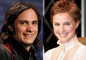 Gael - Natalie - Cute couple Natalie Portman and Gael Garcia Bernal, are they or aren't they?