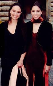 Natalia &  Irina Strozzi Guicciardini,believed to  - Natalia and Irina Strozzi Guicciardini, believed to be descendants of Mona Lisa Gherardini, pose for photographes in Florence