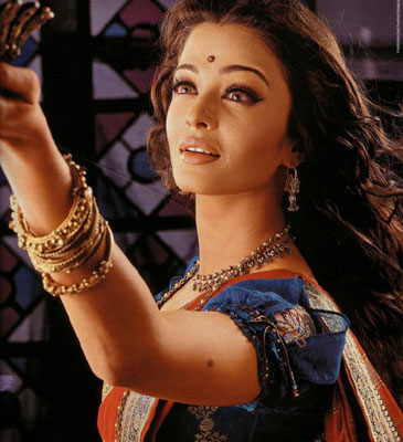 Devdas Bindi Gallery: Aishwarya Rai & Madhuri Dixit in the Movie Devdas