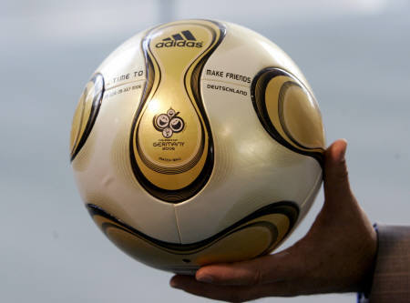 Soccer addicts - Its a ball that Makes every Soccer lover Speak the Same Language...!!!