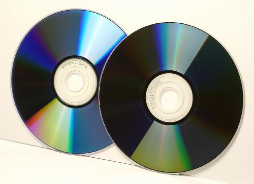 selling pirated cds and dvds If you are into this kind of business selling pirated dvds is really a good where should i contact to report sale of pirated dvds and cds for.