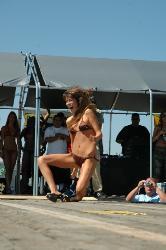Girl falling in bikini contest - This girl crashed really hard