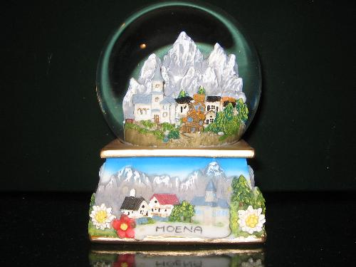 Snow Globe (Dome) of Moena - A Snow Globe from the collection of a friend of mine. This one is from Moena (a small city on the Dolomiti Mountains) in Italy.
