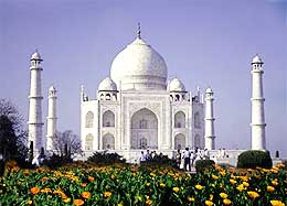 Taj Mahal - These photo is belonged to present 7 wonders in the world it is name as Taj Mahal situated in Agra near delhi in India.It is famous for LOVE!