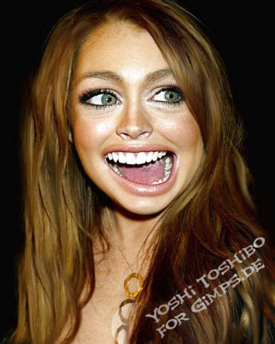 lindsay lohan funny - See her look so funny.