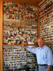 Collection of Keychains - The largest collection of keychains belongs to Emilio Arenas Florin of Colonia, Uruguay, with 25,630 non-duplicated key chains, which he has been collecting since 1955.