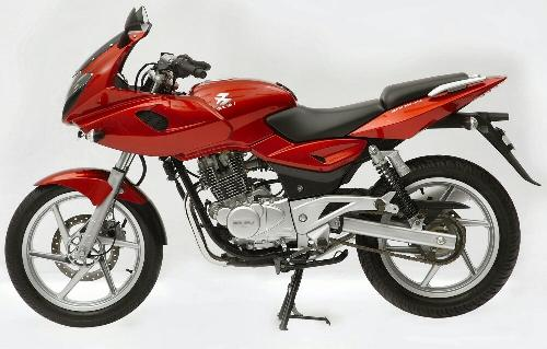 Bajaj Pulsar 220 DTS-FI - I think this the one to be the leader. i think this bike is born leader. what do u guys think?