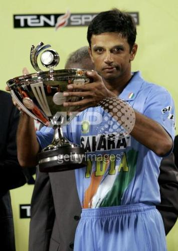 dravid holding cup - indian promotion pic