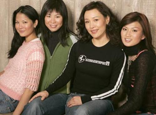 these are the cast - these are the cast of saving face...from left: lynn chen, alice wu(director)joan chen and michelle krusiec.