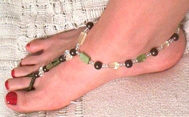 mouth watering bare feet - Heheheehe Watching bare feet . Strange .