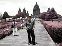 One day At Prambanan Yogyakarta - this is when I went to prambanan, yogyakarta with my family on oktober 2005