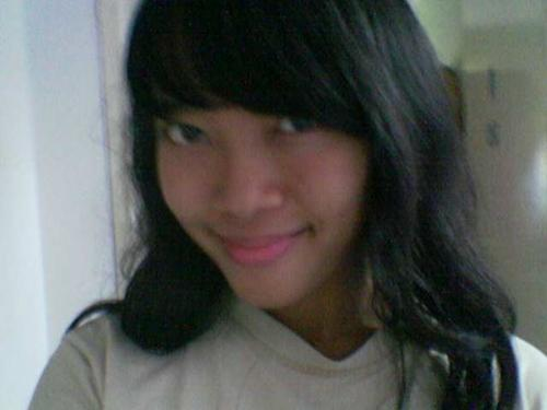 Nadia Fathannisa - im a girl from indonesia, and i want to find many friends from around the world