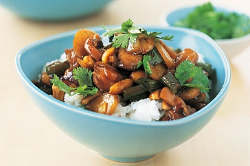 Chicken And Peanut Stir Fry - Chicken and peanut stir fry tastes very nice and easy to make.