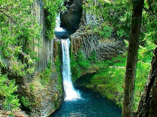 Waterfalls  - A beautiful Waterfall Near Crater Lake in Oregon