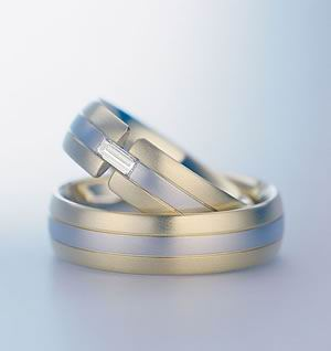 wedding ring - A sign proves that both of you will be starting your life together.