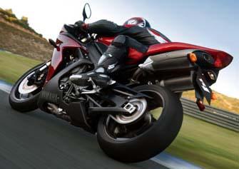 yamaha r1 - racing fever with bikes.......