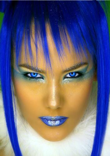 electric blue hair - nice,but will you dare?