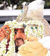 Is enemity in the face of Bacchan! - Avi sekh in his wedding ceremony