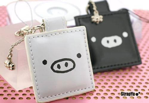 monokuro boo - hehehe..the black and white twin pigs,,they look adorable and sooo cute! i love it so much..so what are the stuffs u already collect??