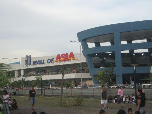 SM Mall of Asia - the largest mall in the country!