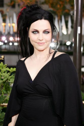 beautiful amy lee - amy lee lookin all good..lol