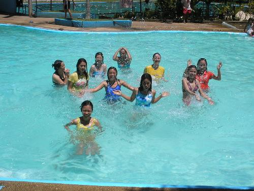 Swimming - Swimming together with mylotters friends!