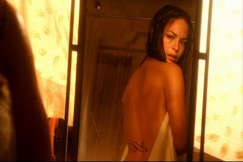 Kristin Kreuk as Lana in Smalllville ep 04x01, Cru - Lovely view of Kristin's back.