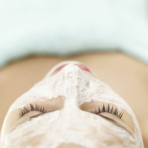 Beauty Tips - How beautiful people pamper themselves