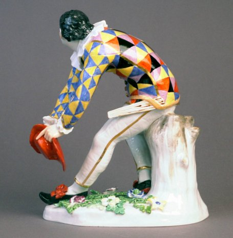 Meissen porcelain, in Saxony - Meissen figure of the Greeting Harlequin, XVIIIth century