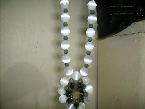 just one of the many beads - it looks beautiful rite!!!