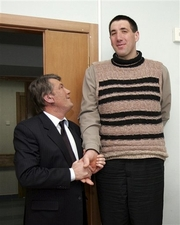 Leonid stadnik  - This is leonid stadnik with the urkainian president shaking hands.