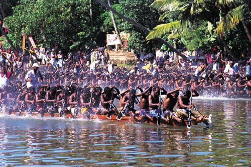 Boat Race - Photo of boat race during Onam festival