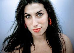 Amy Winehouse - Photo of Amy Winehouse