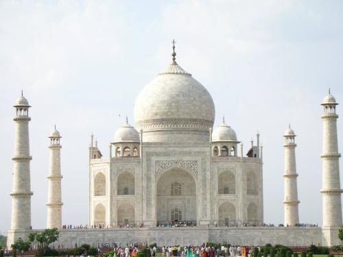 taj mahal - beauty that you can't deny.beautiful in true sense what is called as a masterpiece.