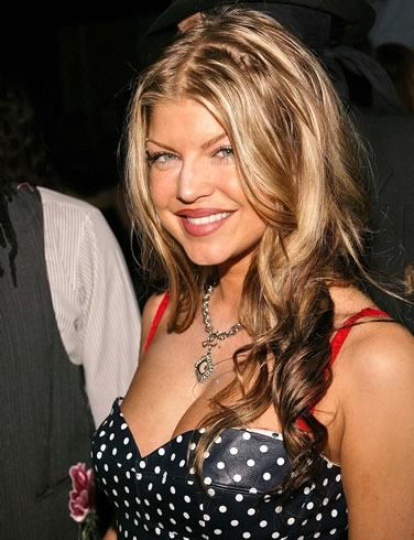 fergie - This is a picture of the girl singer name Fergie who use to be in the black eyed pea