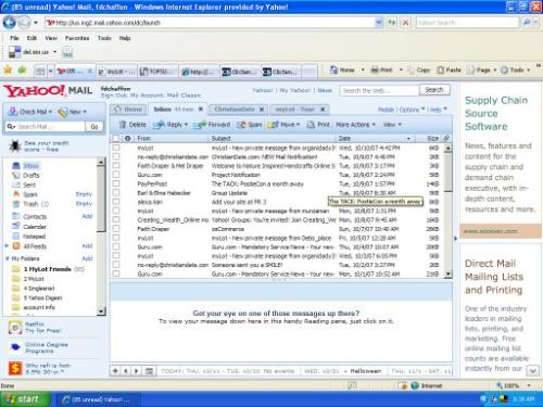 Screen Shot New Yahoo Mail - This is a screen shot of the new version of Yahoo mail - it's very much like Outlook Express but are some things I don't like about it.