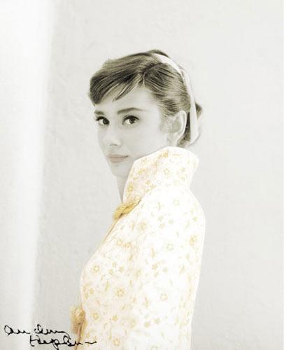 beautiful Hepburn - Hepburn is as fair as a lily