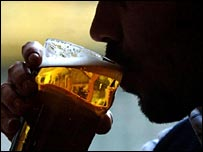 Over-30s 'ignore alcohol advice' - The body becomes less able to deal with alcohol with age