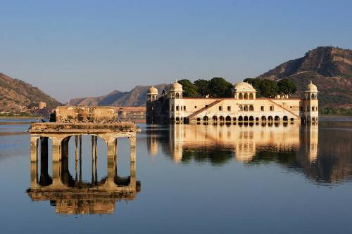Jaipur pink city - India has a beatiful place for visitors.