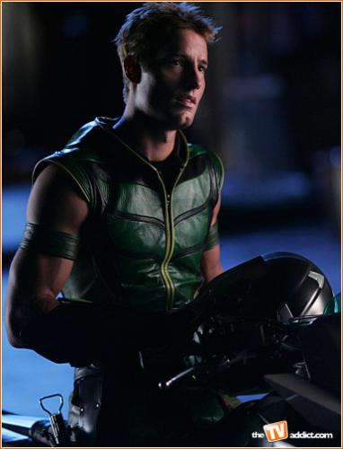 Smallville Character : Green Arrow - Who's your favorite character? I love the different stories and the different characters who were temporary only.
