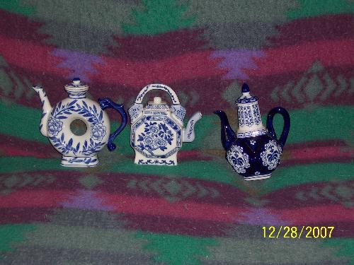 New teapot for my collection - The three new teapots will be a nice addition to my collection
