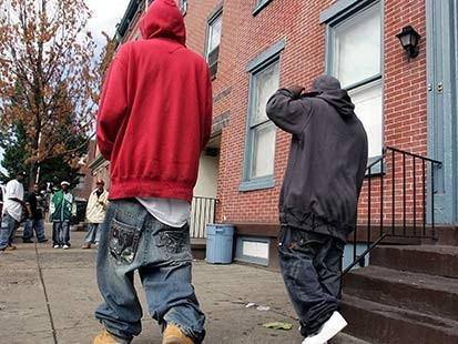 pants - sagging pants