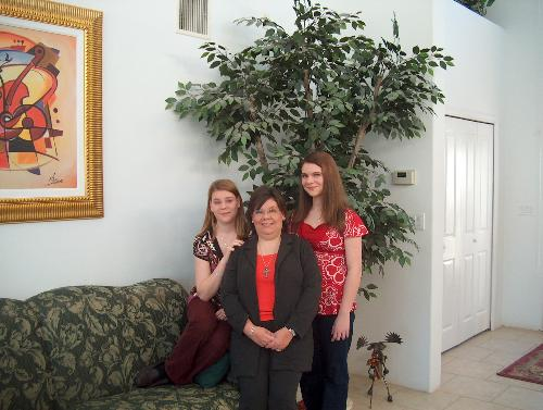 Lauren, me and Kristen - this photo was taken the Sunday after Christmas. We were ready to leave for church when Mike's mom snapped this picture.