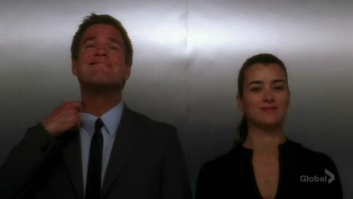 "Screenshot of Cover Story - Tony and Ziva inside the elevator discussing their characters in the ""Deep Six"""