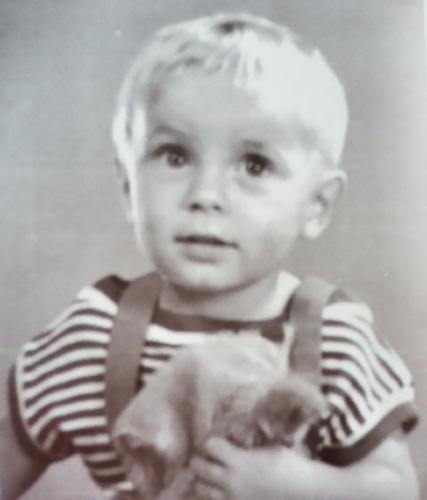 Born great? - No, this child was not born for greatness. This is me as an infant, and I was clearly not destined for greatness. Ah well...