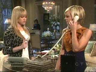 LuLu and Maxie - screen cap from GH with Maxie and LuLu