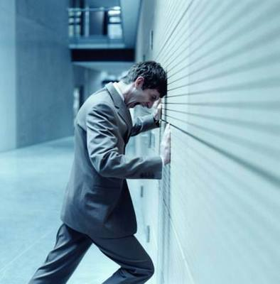 Stop banging your head against the wall!! - Don't be like this guy. Get your referrals the simple way