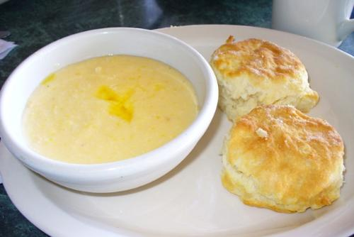 chessey grits - cheesey grits for breakfast